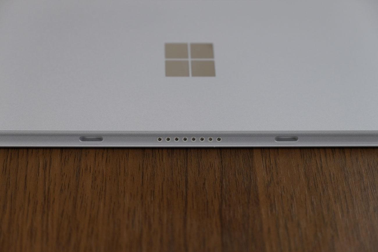 Surface Go タイプカバー端子