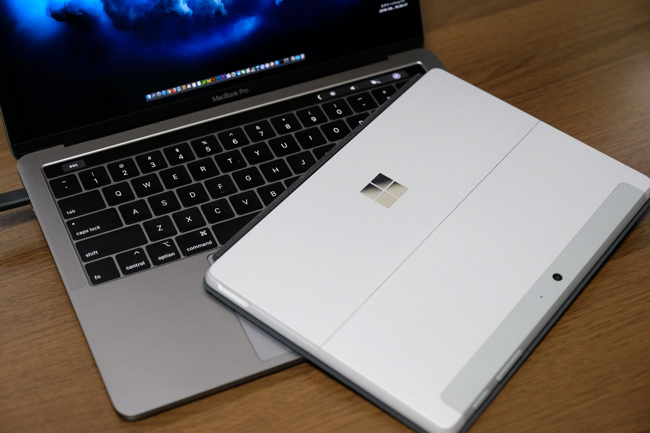 MacBook ProとSurface Go