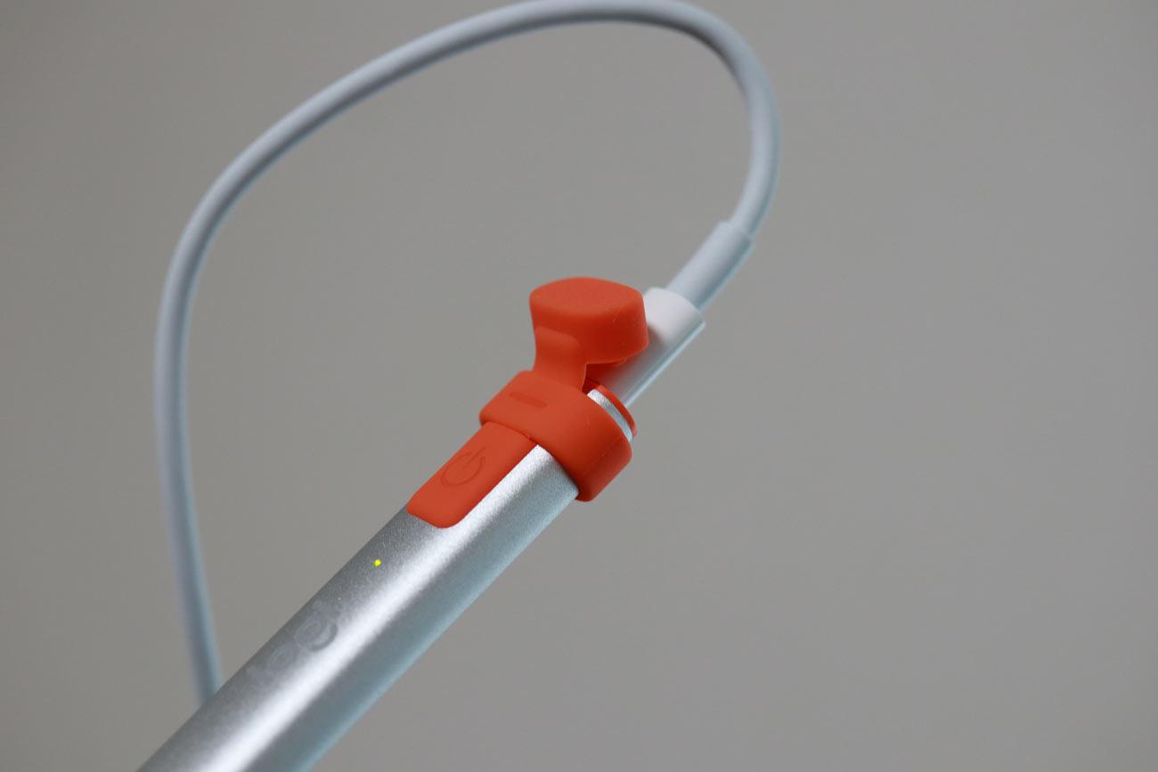 ロジクールクレヨンの充電接続方法