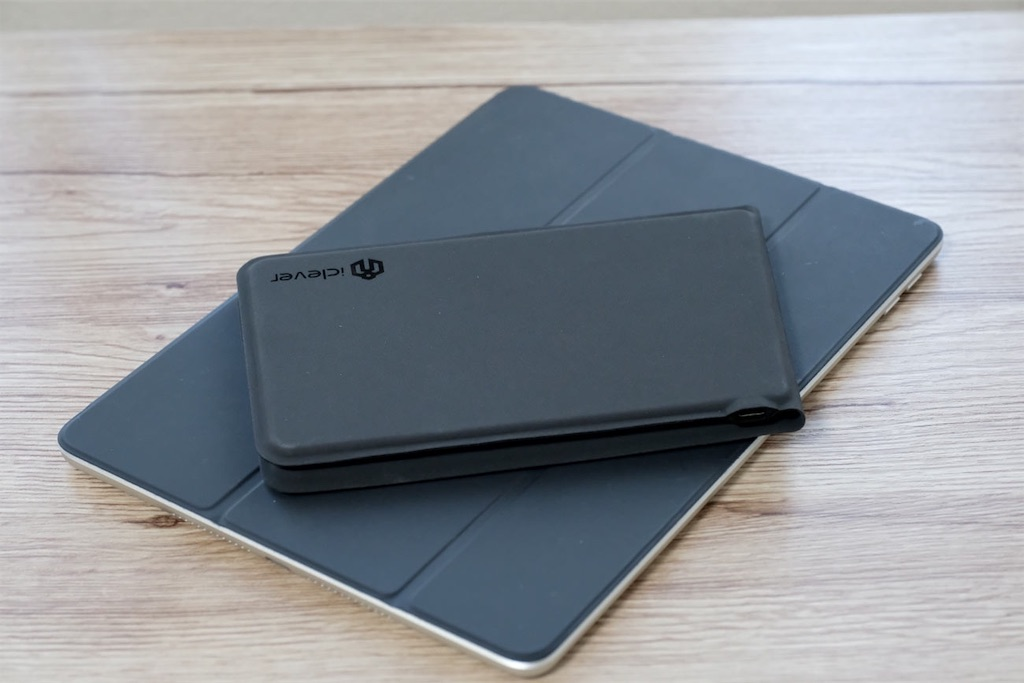 iPadとiClever IC-BK06