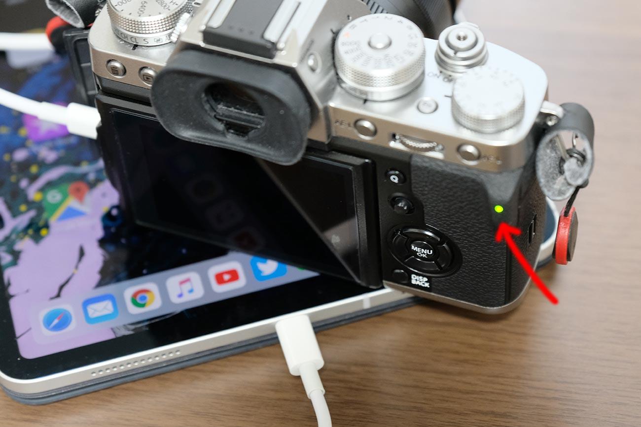 iPad ProからX-T3を充電する