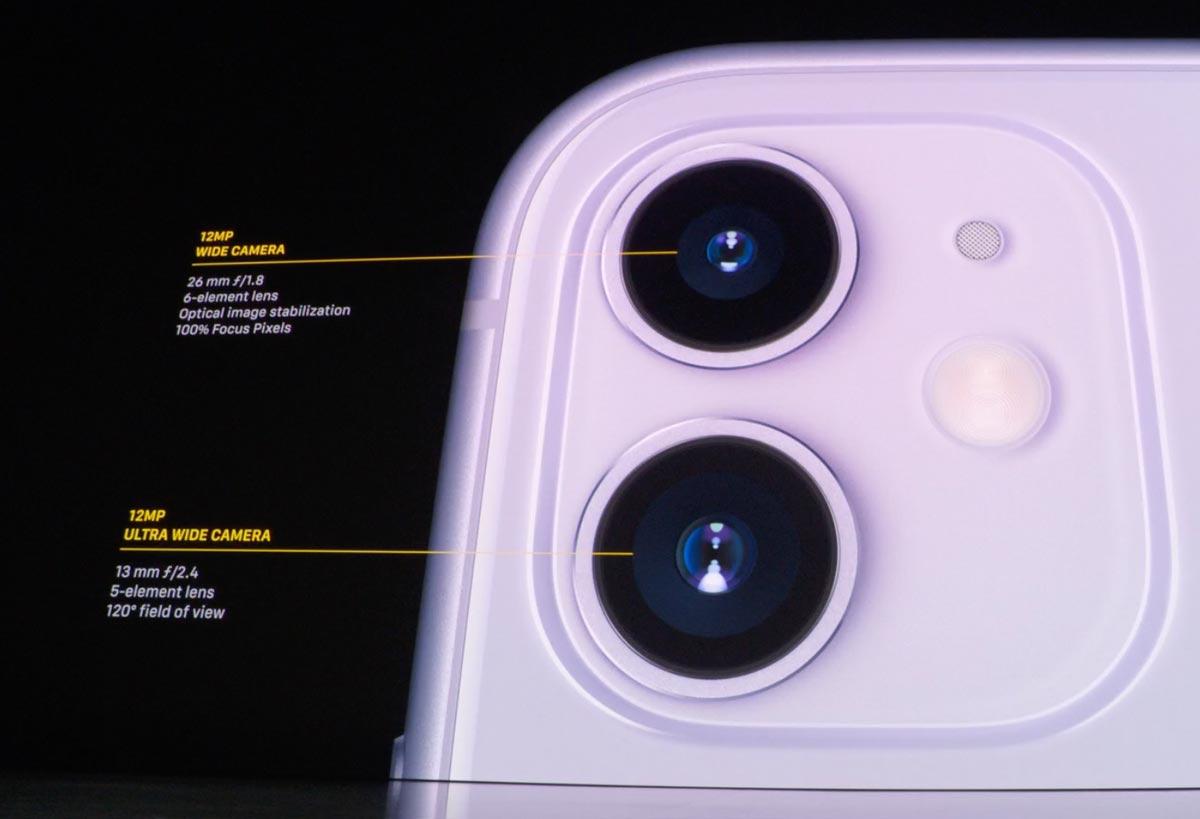 iPhone 11 デュアルカメラ