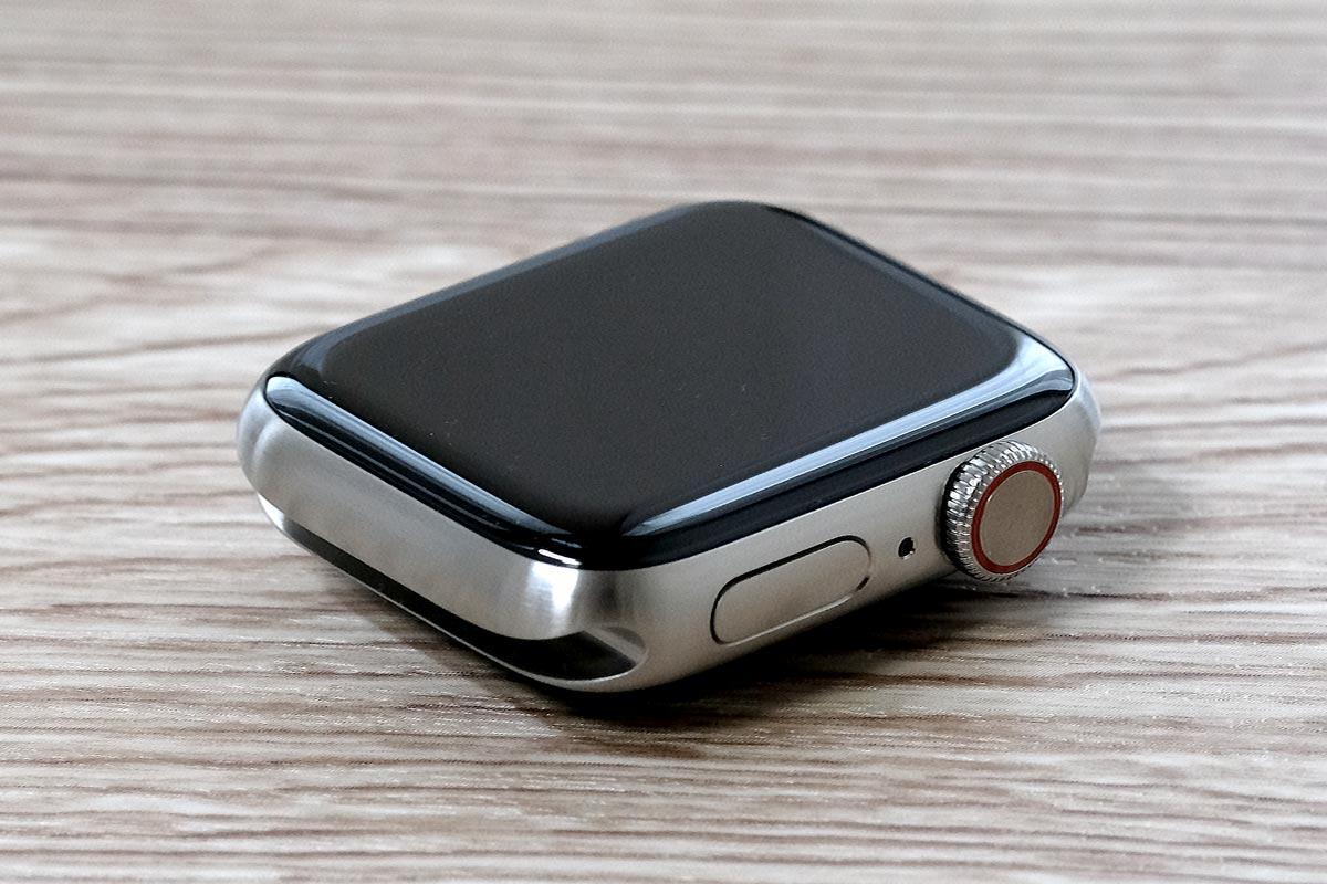 Apple Watch Edition(チタン)のDigital Crown