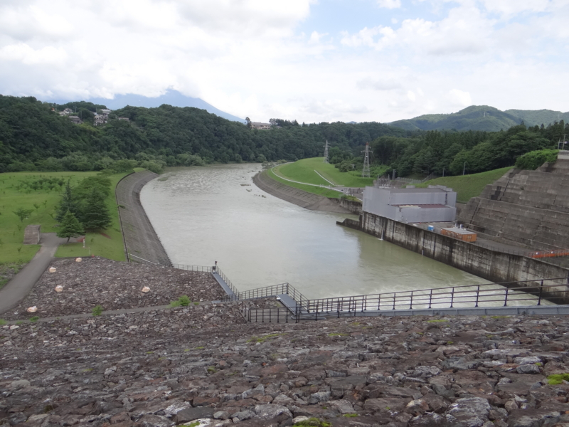 御所ダム(盛岡市)
