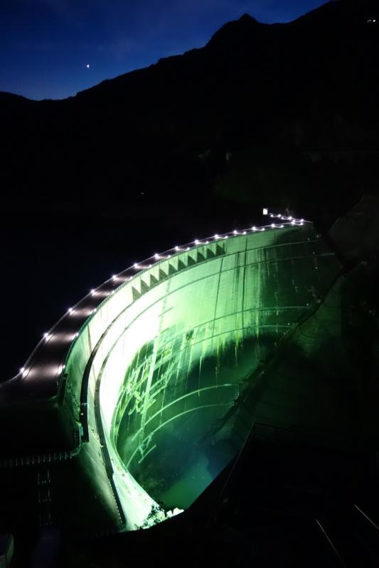 黒部ダム(立山町)