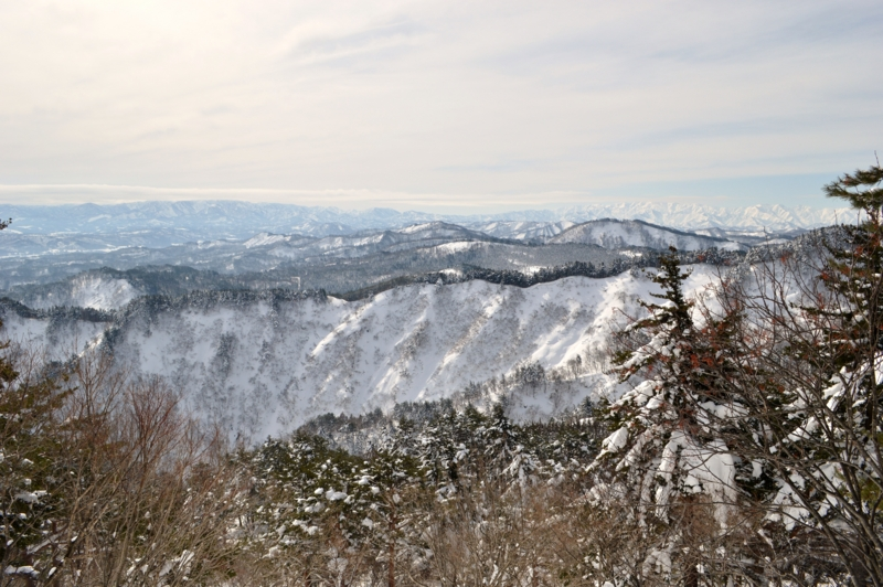 熊野山登山道(長井市)