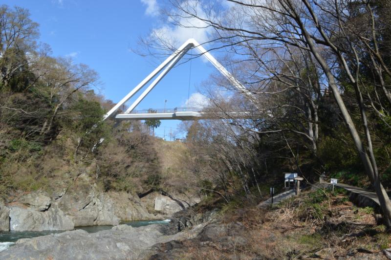 高津戸峡とはねたき橋(みどり市)