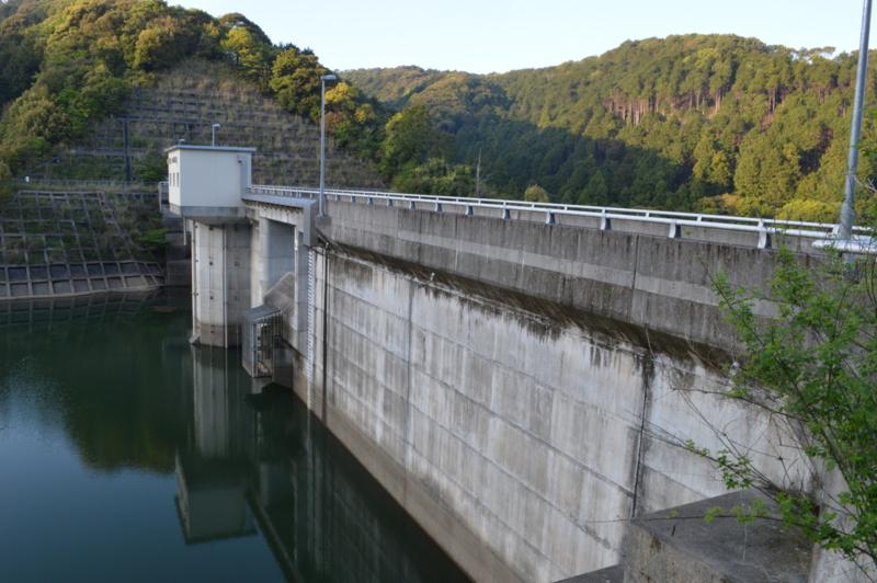 以布利川ダム(土佐清水市)