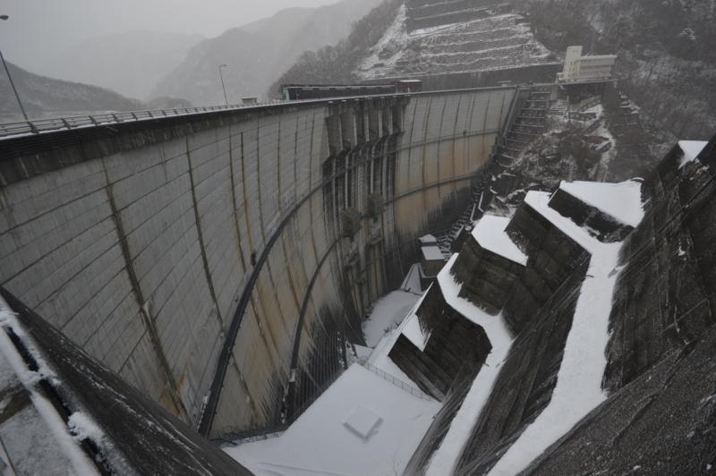 川治ダム(日光市)