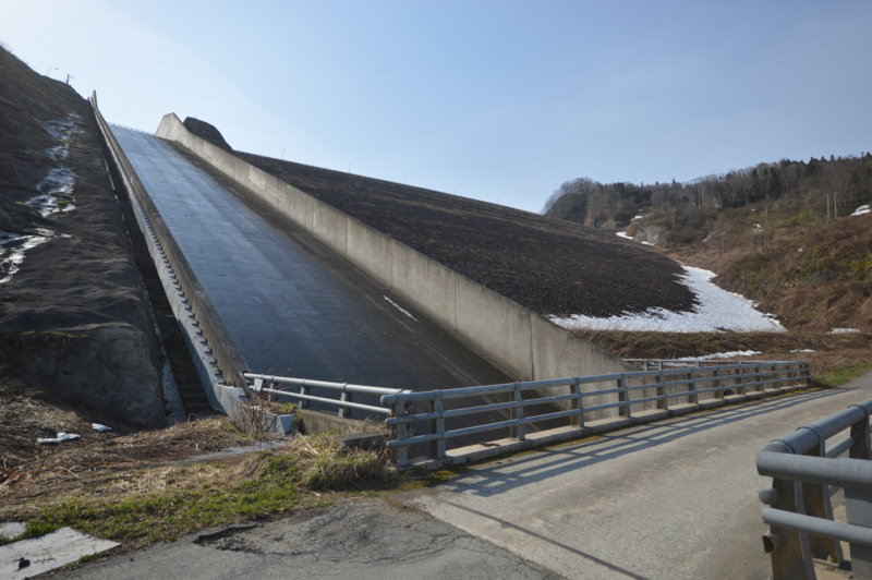 新鶴子ダム(尾花沢市)