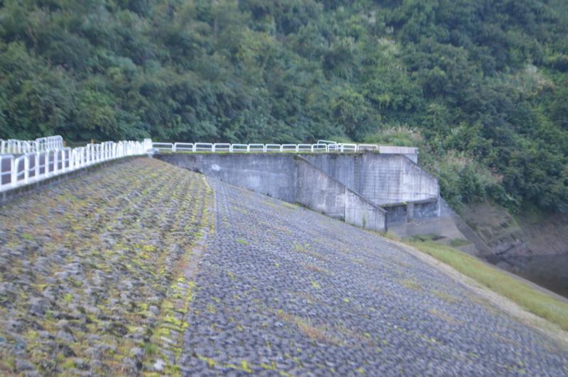 坪山ダム(十日町市)