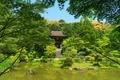 円成寺 庭園と楼門