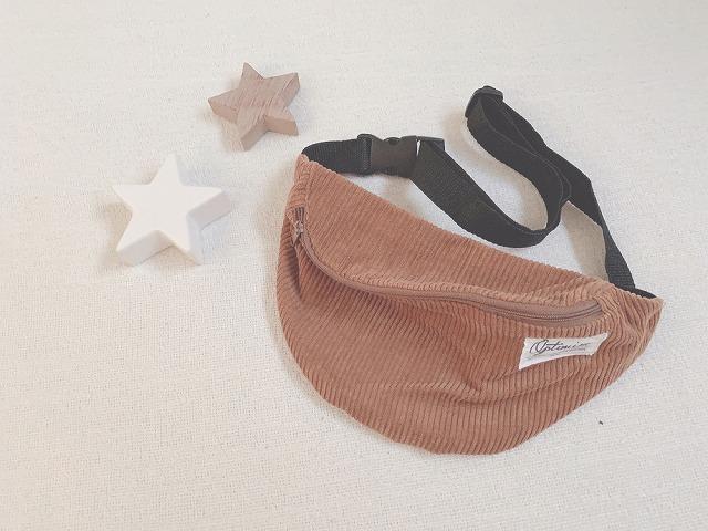 【DAISO】ダイソーのコーデュロイが可愛い♡ウエストバッグをキッズコーデのアクセントに!