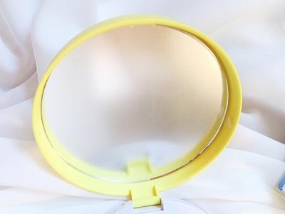 fujiko(フジコ)あぶらとりウォーターパウダー鏡