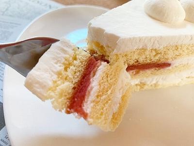 ショートケーキ 実食 アップ