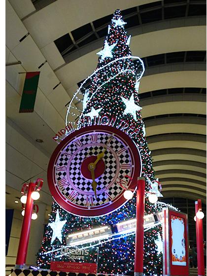 クイーンズスクエアのクリスマスツリー