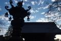 [青銅製燈籠][燈籠][シルエット][総門][妙義神社]青銅製燈籠
