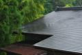 [民家][屋根][竹林][竹やぶ][雨]民家