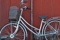 [自転車][チャリンコ][農具小屋][納屋][トタン]自転車