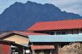 [民家][集落][赤い屋根][妙義山][白雲山]民家