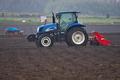 [トラクター][農耕車][耕作地][圃場][コンニャク畑]トラクター