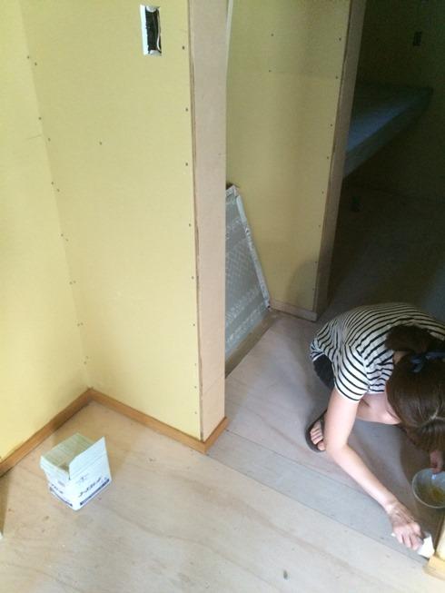 1階部分のワックス塗り