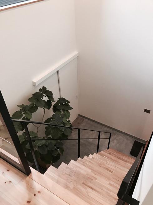 #サンワカンパニー#アウトセット#吊り戸#階段