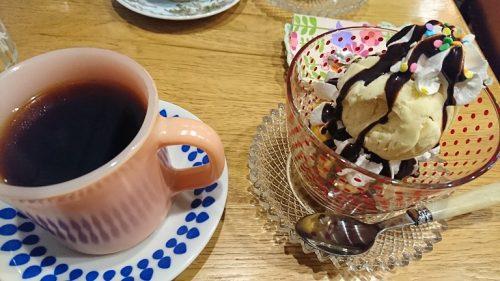 コーヒーとマフィン