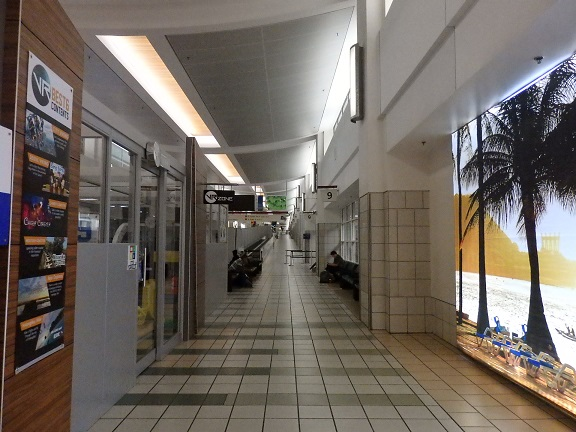 グアム空港内