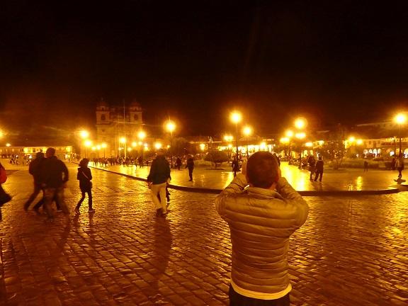 夜のマルコス広場