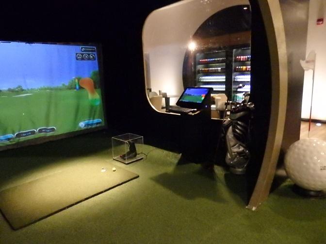ゴルフシュミレーションルーム