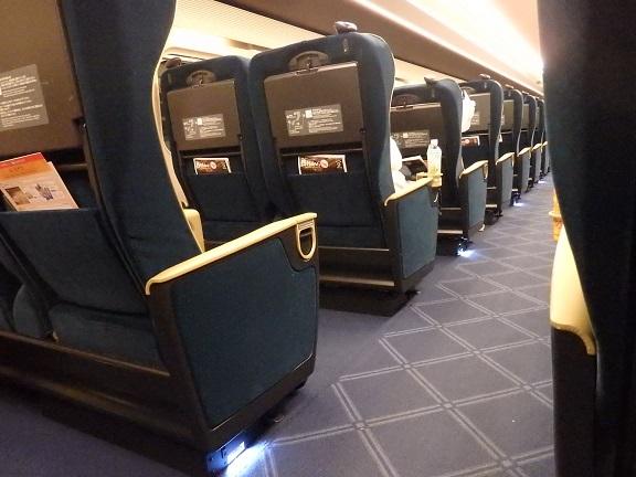 新幹線内部座席