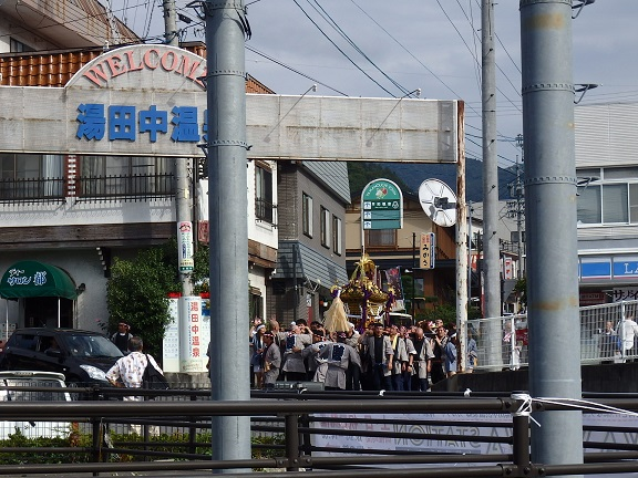 湯田中の焼き祭りお神輿