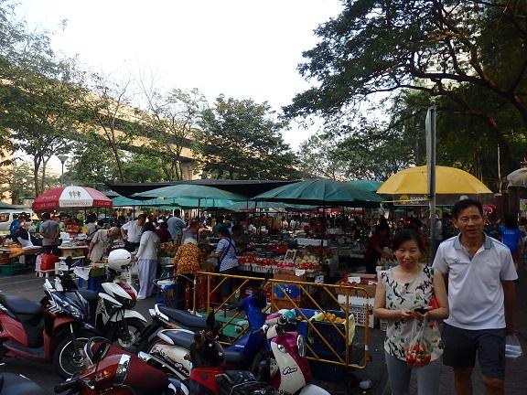 ルンビニ公園のマーケット