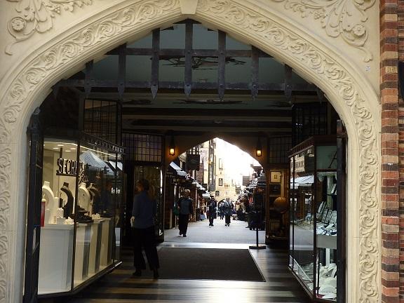 ロンドンコート内部