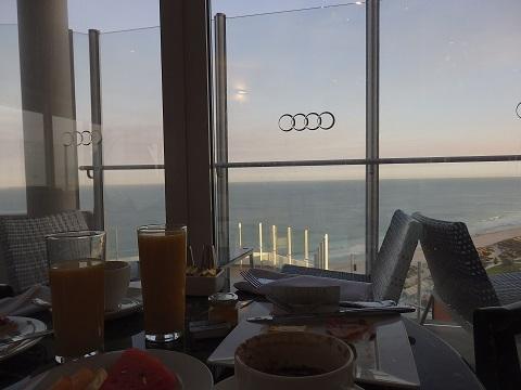 朝食タイムの眺め