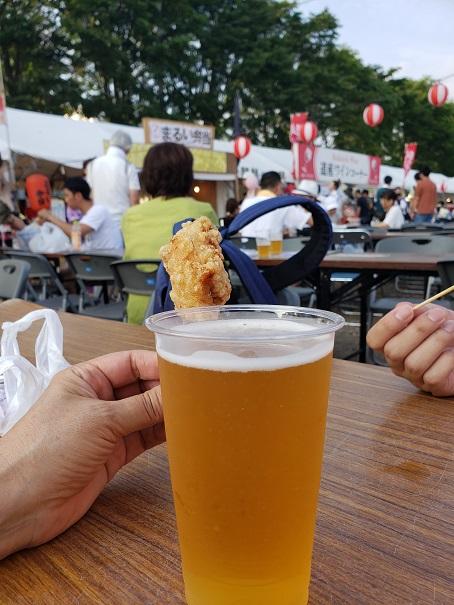港まつりでビール