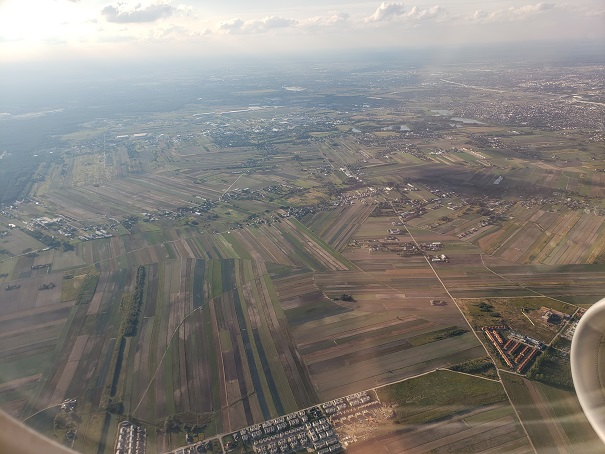 機内からワルシャワの眺め