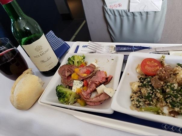 ワルシャワ、ヴェネツィア間の機内食