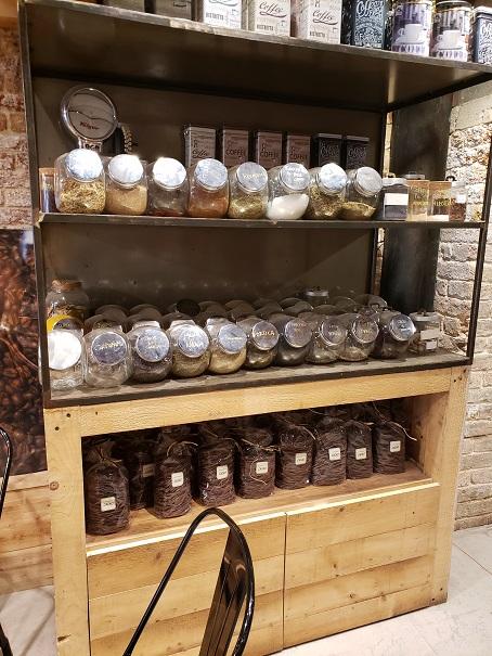 色々なコーヒーのトッピング