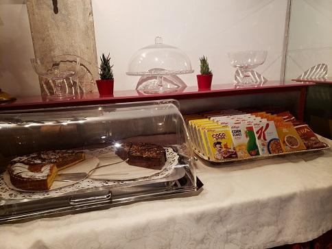 ケーキ&コーンフレーク