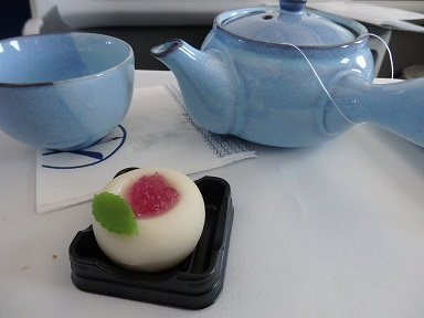 朝食後のデザートと日本茶
