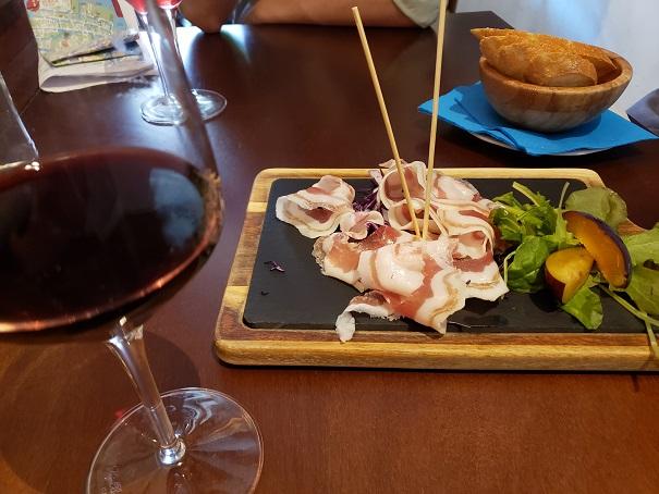 ワインとプロシュート