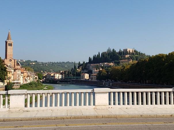 ヌオーヴォ橋からの眺め