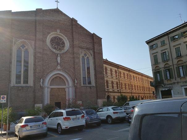 サントマソバケット教会