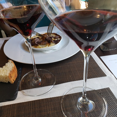 ワインとトリフの料理