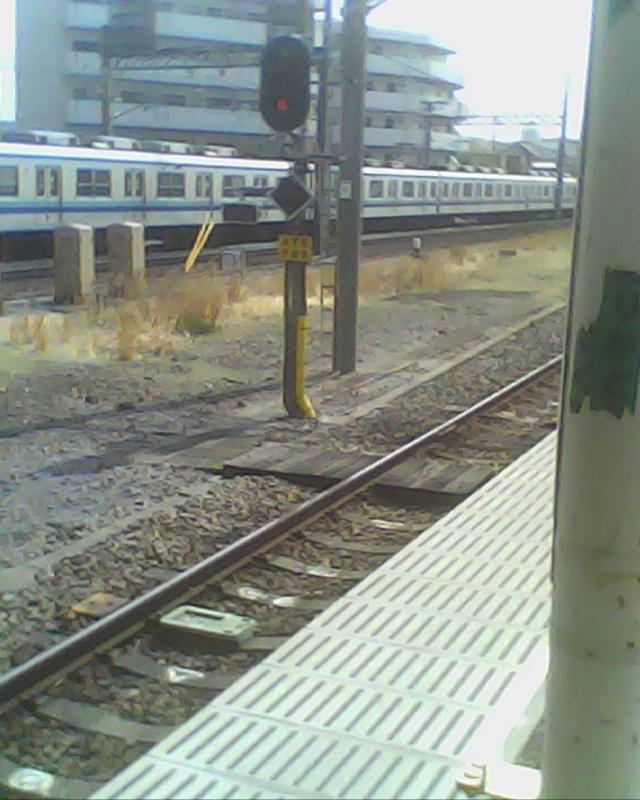 JR川越線の信号と東武8000系