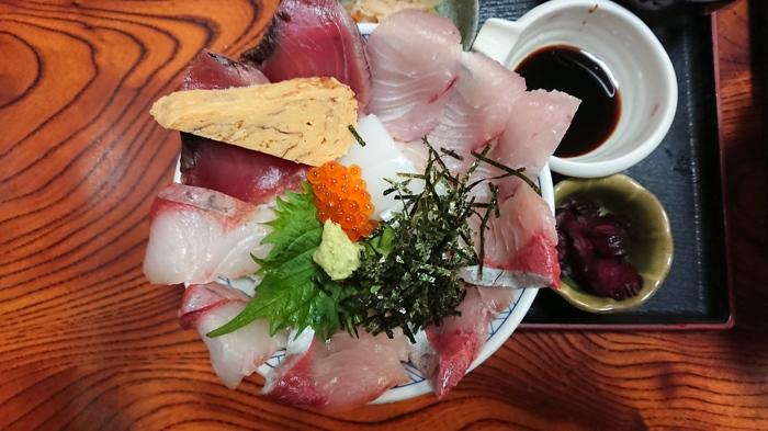 八代の人気メニュー「大漁丼」