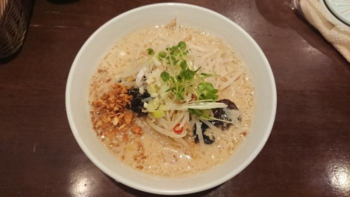 白胡麻スープ麺
