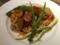 めぐみ鶏とインカのめざめのバジルトマトソース